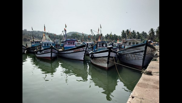 Krawar: Oil Prices Rise: Unannounced Fishing Bandh In The Coastal Area