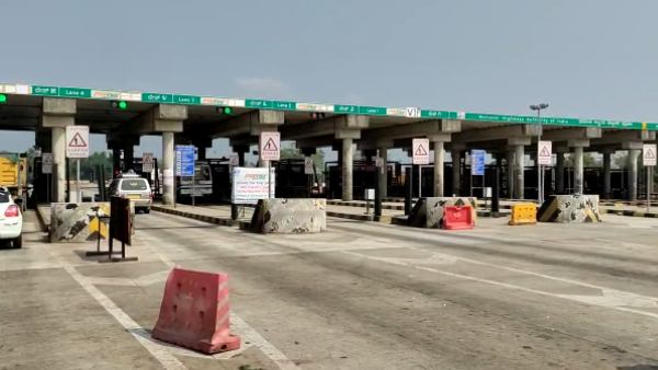 Karwar: Chaos Prevailed At Several Toll Booths As Center Made FASTag Mandatory