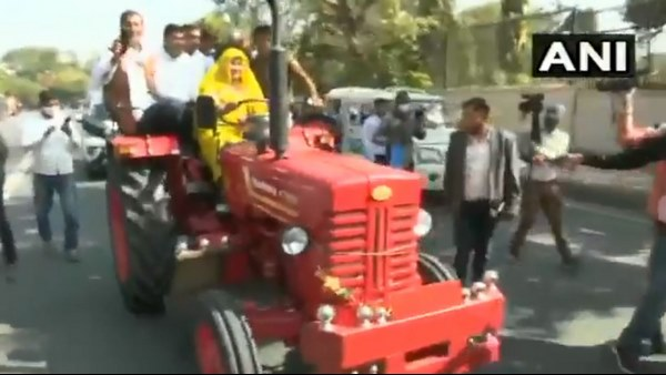 Congress MLA Indira Meena reaches Rajasthan Assembly On A Tractor To Show Support For Farmers