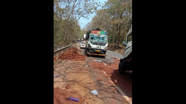 Karwar: Accident Between Tipper-Bolero And Lorry: Two Death, Six Injured
