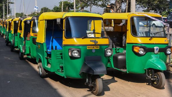 In Surat, 34 Autorickshaw Drivers Found Infected In Single Day