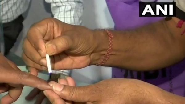 West Bengal 1st Phase Election: TMC Accuses BJP Threatening Voters, Tampering EVMs