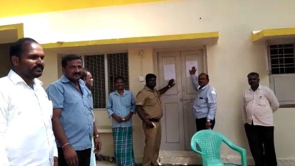 ಕನಕಪುರ: 'ಕೆಲಸಕ್ಕೆ ಹಾಜರಾಗಿ, ಇಲ್ಲವೇ ಮನೆ ಖಾಲಿ ಮಾಡಿ'; ಸಾರಿಗೆ ಇಲಾಖೆ ನೋಟಿಸ್