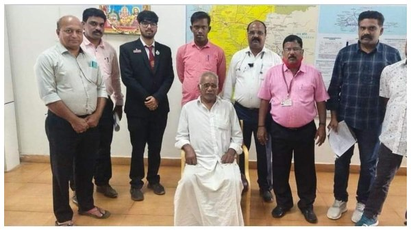 Ticket examiner Helped Man Who Stranded At Hubballi Railway Station
