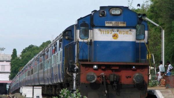 ಯಾಸ್ ಚಂಡಮಾರುತ : 90 ರೈಲುಗಳ ಸಂಚಾರ ಸ್ಥಗಿತ