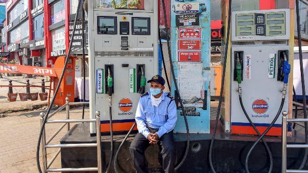 ಮೇ ತಿಂಗಳಲ್ಲಿ 14ನೇ ಬಾರಿ ಪೆಟ್ರೋಲ್, ಡೀಸೆಲ್ ದರ ಏರಿಕೆ
