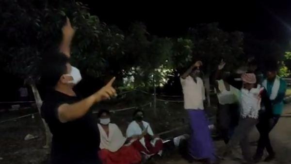 ವಿಡಿಯೋ ವೈರಲ್: ಕೊರೊನಾ ಸೋಂಕಿತರ ಜೊತೆ ಶಾಸಕ ರೇಣುಕಾಚಾರ್ಯ ಸಖತ್ ಡ್ಯಾನ್ಸ್