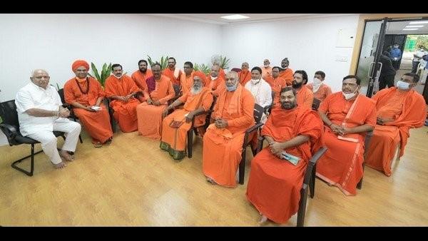 ನಾಯಕತ್ವ ಬದಲಾವಣೆ: ಸಿಎಂ ಯಡಿಯೂರಪ್ಪ ಸೈಲೆಂಟ್, ಮಠಾಧಿಪತಿಗಳು ವೈಲೆಂಟ್