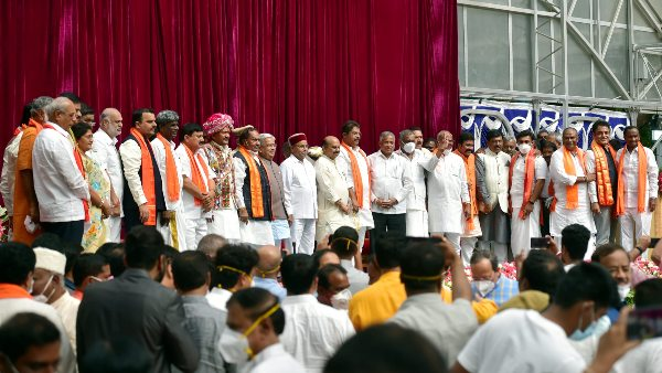 ಜಿಲ್ಲಾ ಉಸ್ತುವಾರಿ ಸಚಿವರುಗಳನ್ನು ನೇಮಿಸಿದ ಬಸವರಾಜ ಬೊಮ್ಮಾಯಿ