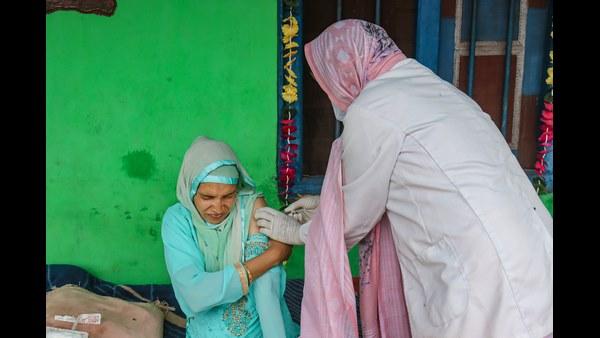 ಭಾರತದಲ್ಲಿ ಬೂಸ್ಟರ್ ಡೋಸ್ ಅಲ್ಲ, ಎರಡು ಡೋಸ್ ಲಸಿಕೆಗೆ ಮೊದಲ ಆದ್ಯತೆ