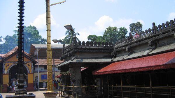 ಕೊಲ್ಲೂರು ದೇವಾಲಯಕ್ಕೆ ಭೇಟಿ ನೀಡುವ ಭಕ್ತರಿಗೆ ಹೊಸ ನಿಯಮ