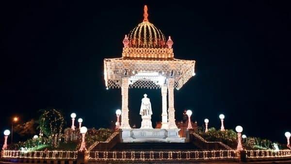 ದಸರಾ ವಿಶೇಷ; ವಿದ್ಯುದ್ದೀಪದ ಬೆಳಕಿನಲ್ಲಿ ಮಿಂದೇಳಲಿದೆ ಮೈಸೂರು