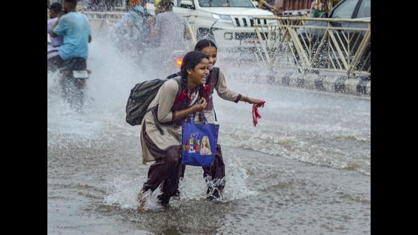 ಮುಂಗಾರಿನೊಂದಿಗೆ ವಾಯುಭಾರ ಕುಸಿತ; ಈ ರಾಜ್ಯಗಳಲ್ಲಿ ಭಾರೀ ಮಳೆ ಸೂಚನೆ