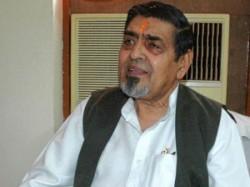India 1984 Riot Cong Leader Jagdish Tytler Cornered Punjabis