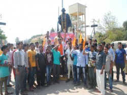 Sri Rama Sene Has Take Protest Against Arrest Pramod Muthalik At Gadag