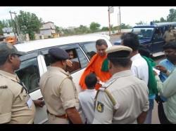 Hubballi Pm Modi Faces Protest From Kalasa Banduri Agitators