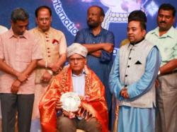 Sl Bhyrappa Releases Sinchana Kannada Magazine Singapore