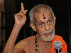 Pejawar Seer Exclusive Interview By Oneindia Kannada