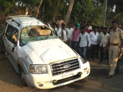 Car Overturns Killing 5 People On The Spot Near Hunsur
