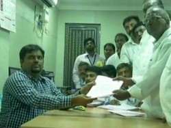 E Madhusudhanan From Ops Camp Files Nomination For R K Nagar Bypoll