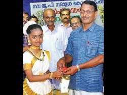 Bangles Donated To School Development By 7th Class Student