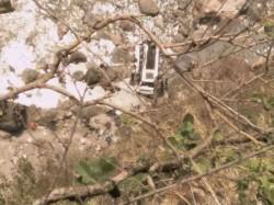 Killed In Bus Accident In Himachal Pradesh