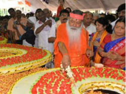 Ganapathi Sachidananda Shree Celebrates His Birthday By Cutting 1500 Kg Cake