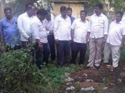 Mysore Mayor Visits Women S Hostel At Maharani College