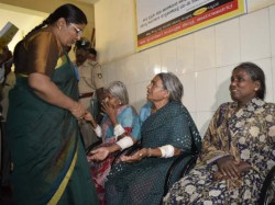 Families Ostracised For Voting Bjp In Gundlupet Women Commission Visited Site
