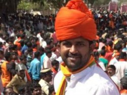 Mp Pratap Simha Supports Pejawar Seer