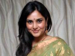 An Open Letter Former Mp Ramya From Fan About Her Tweet On Veer Savarkar