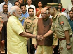 Pm Modi Congratulates Lucknow Sub Inspector For Writing Poem On Yoga