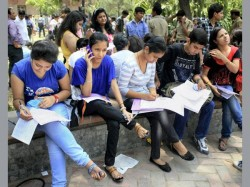 Degree Students And Faculty Members Upset With New Class Timings 8 Am
