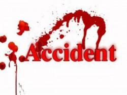 Five Youths Killed In Car Canter Crash At Ramnagara District
