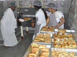 Tumkur Women Prisoners Are Now Proud Bakers New Initiative By Ips Roopa D