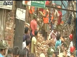 A Buildings Collapsed In Kolkatta Many Suspected To Be Trapped