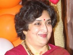 Latha Rajinikanth Run Ashram School Trouble