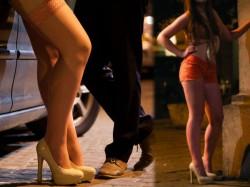 Mandya Police Raided On Prostitution Dhaba 22 Men Arrested