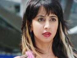 Kannada Actress Sanjana Cheated By Prasiddhi Chit Fund Company In Bengaluru