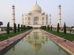 Does Government Want To Destroy The Taj Mahal Sc