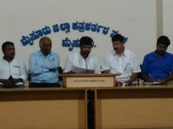 Cm Siddaramaiah Must Apologize To The Kannadigas Pratap Simha