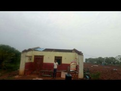 Heavy Rains And Wind Occurred In Budarakatti Village In Bailhongal Taluk