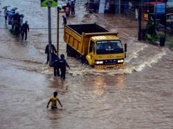 Heavy Rain Coastal Karnataka 2 People Died