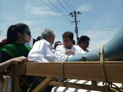 Karnataka Elections Actor Raj Babbar Campaigns For Siddaramaiah