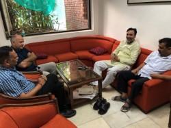 Delhi Bjp Dubs Kejriwals Dharna At L G Office As Mockery Of Democracy