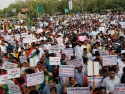 Aap Supporters Staging Protest March To The Pm Residence In Support Of Kejriwal
