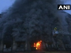 Massive Fire In Mumbai S Fort Area Building
