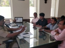 Fite Karnataka Met Police Officers To Request To Speed Up The Inquiry Of Bhaveshs Death