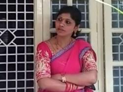 Premakumari Did Protest In Front Of Ramdas Office
