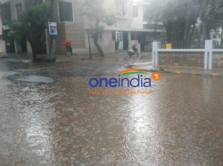 Heavy Rain In Bengaluru Raods Full Of Water